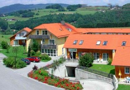 Hopezi.de: Feriendorf Schwarzholz HTP,94234,Viechtach